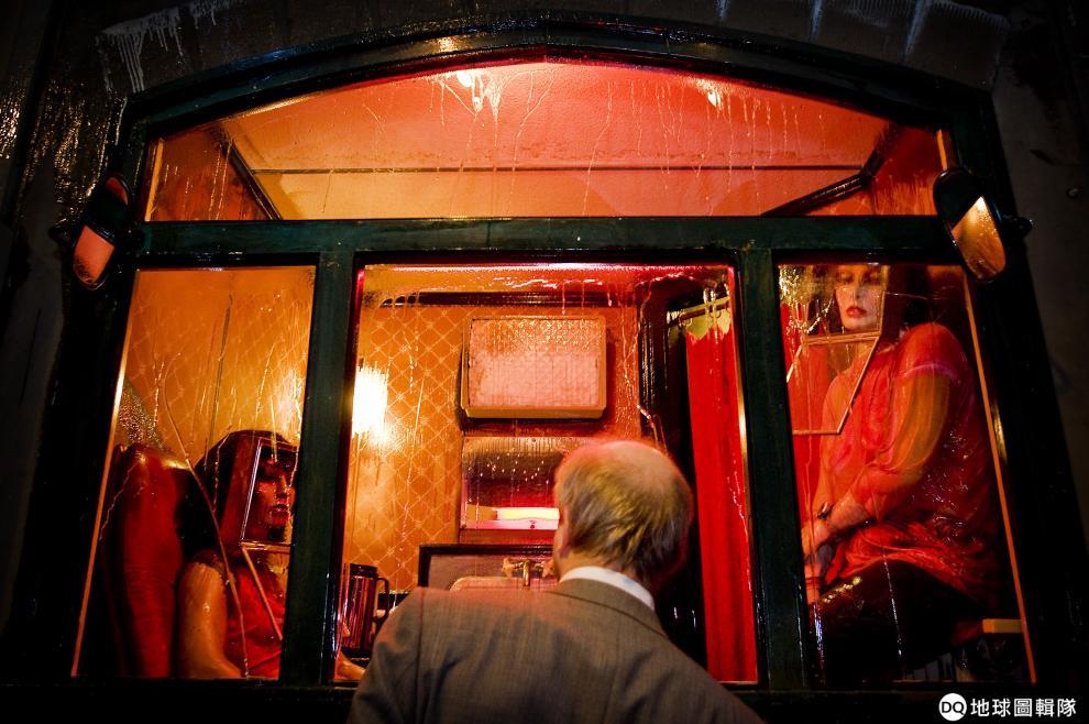 拒絕性工作觀光 阿姆斯特丹明年起禁止紅燈區導覽 | DQ 地球圖輯隊