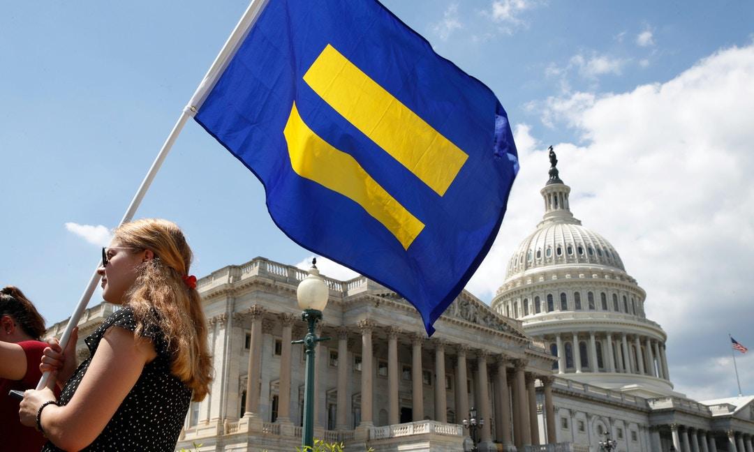 保守派逆轉成功,美國最高法院5:4通過川普的「跨性別者從軍」禁令 – The News Lens 關鍵評論網