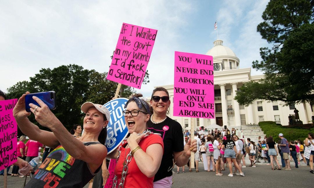 強暴、亂倫也不算例外的「墮胎禁令」,遭美國聯邦法官「暫時擋下」 – The News Lens 關鍵評論網