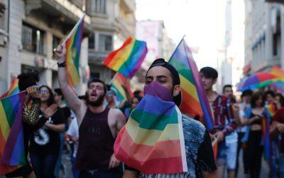 邁入寒冬的土耳其同志遊行:當警方用催淚瓦斯、橡膠子彈驅離在場群眾 – The News Lens 關鍵評論網